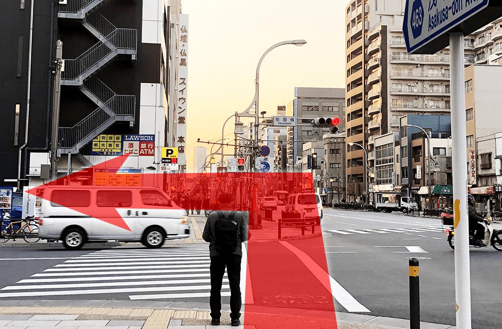 4 菊屋橋交差点(巨大なコックさんがある交差点)手前を左折します